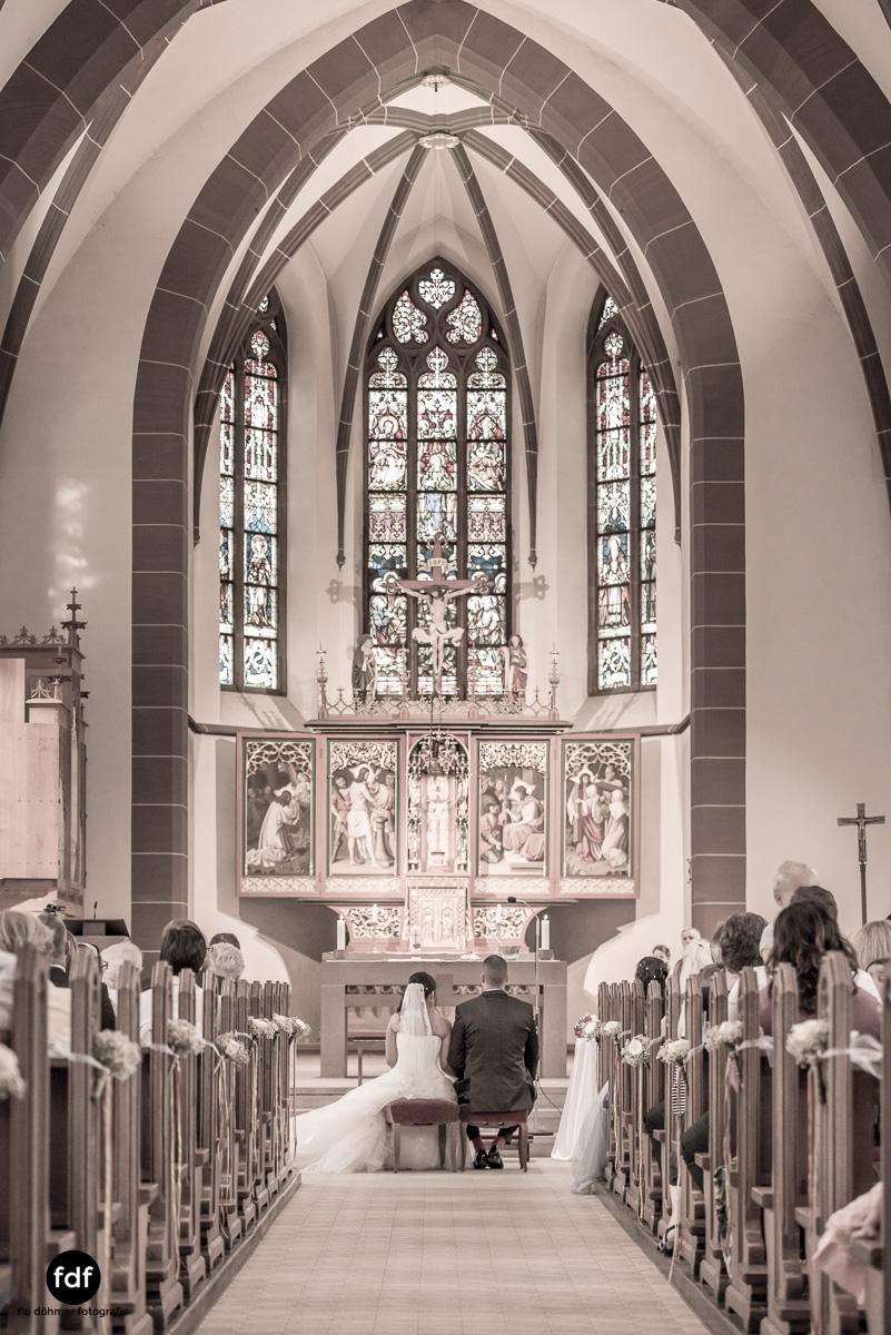 Hochzeit-S&J-Der-Tag-Kirche-Brautkleid-Wedding-15.JPG