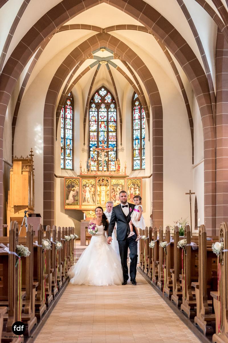 Hochzeit-S&J-Der-Tag-Kirche-Brautkleid-Wedding-24.JPG