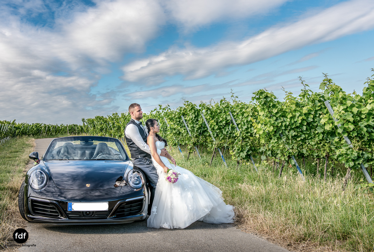 Hochzeit-S&J-Shooting-Porsche-911-Portraits-Brautkleid-Wedding-5.JPG