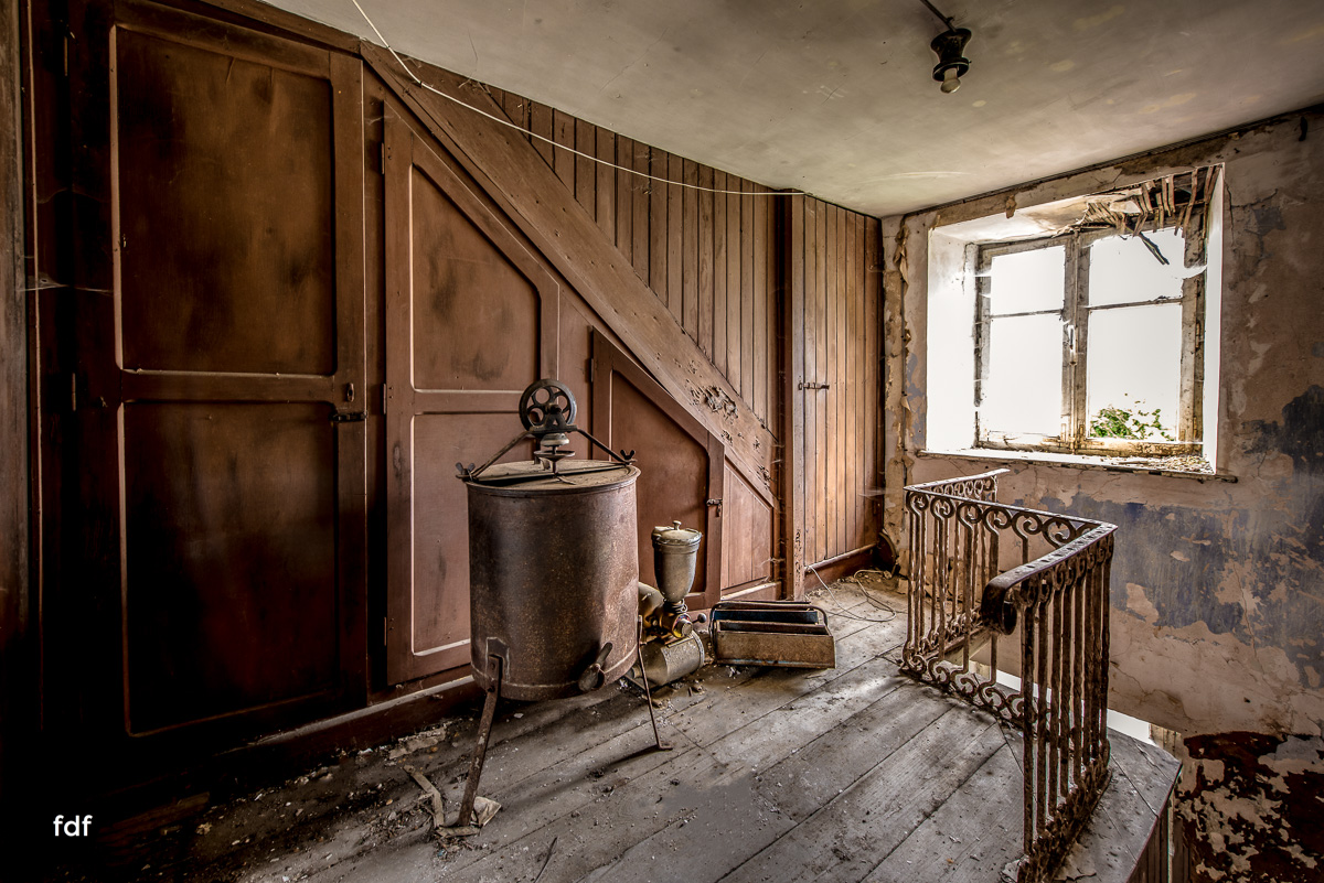 Manfred le reparateur-Lost-Place-Urbex-52-Bearbeitet.JPG