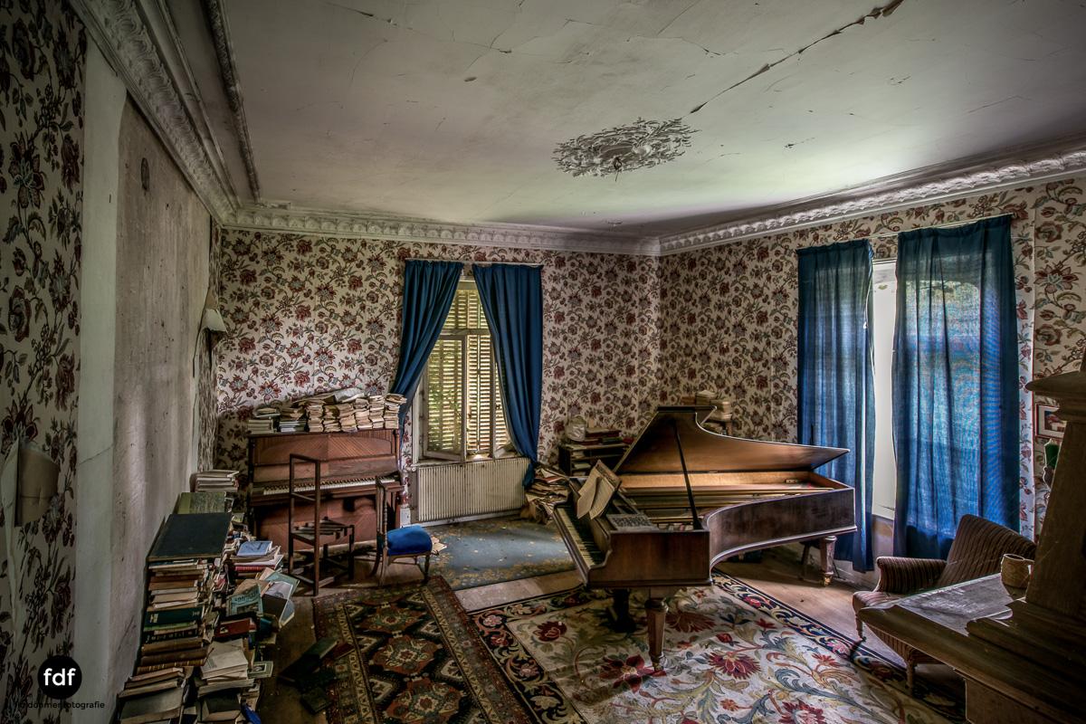Manoir du Professeur-Herrenhaus-Lost Place-Urbex-Frankreich-62.JPG