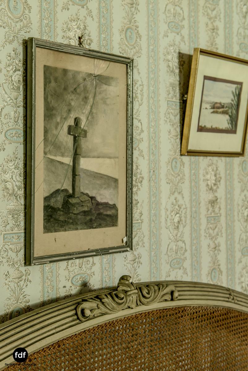 Manoir du Professeur-Herrenhaus-Lost Place-Urbex-Frankreich-81.JPG