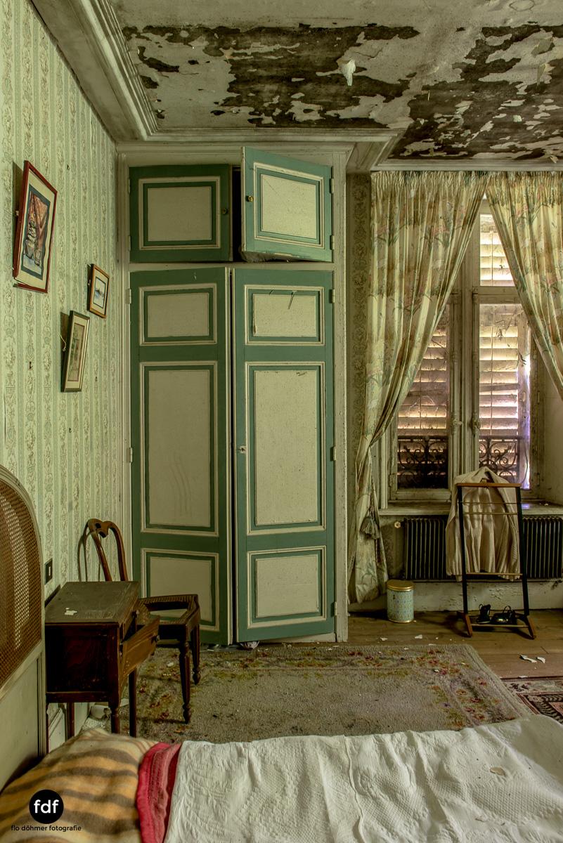 Manoir du Professeur-Herrenhaus-Lost Place-Urbex-Frankreich-84.JPG