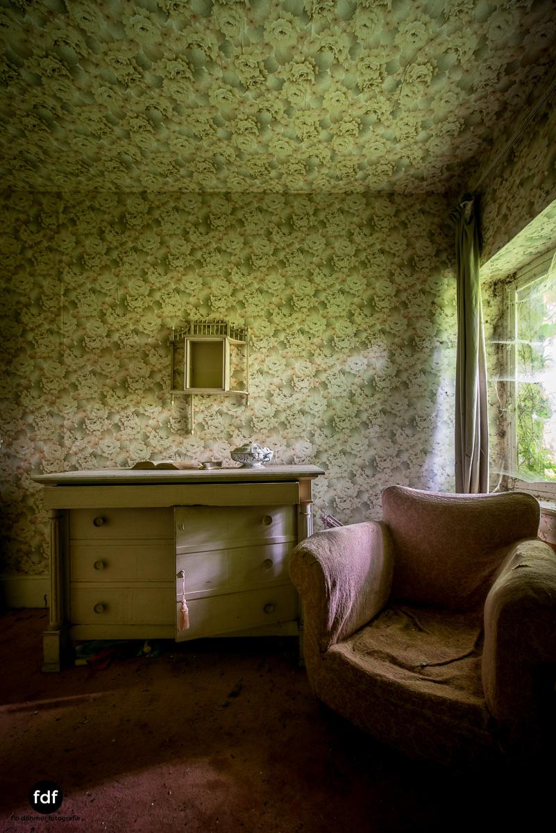 Manoir du Professeur-Herrenhaus-Lost Place-Urbex-Frankreich-123.JPG