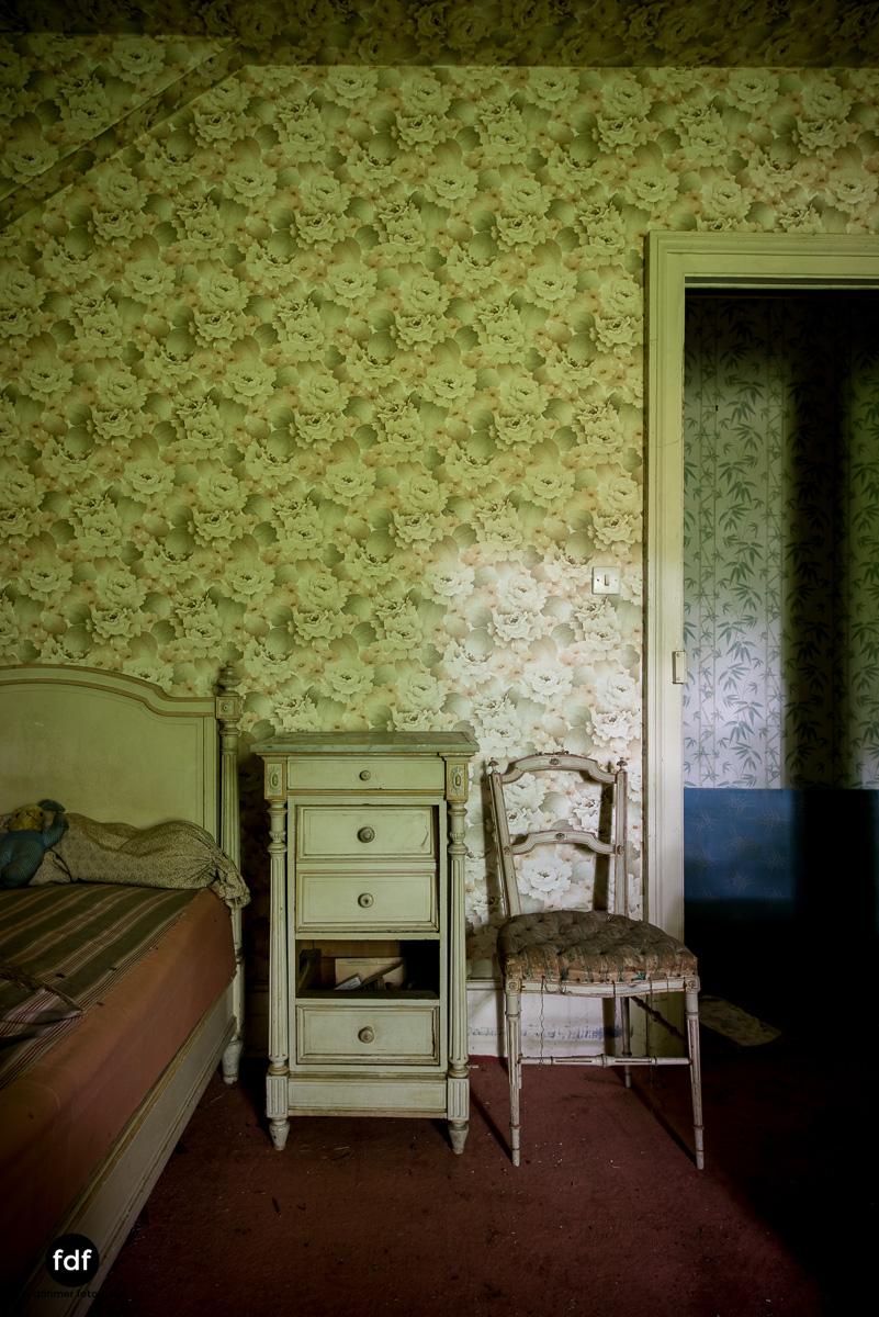 Manoir du Professeur-Herrenhaus-Lost Place-Urbex-Frankreich-125.JPG