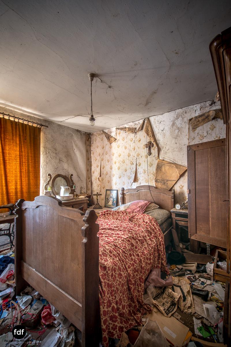 Maison-Troi-Suisses-Bauernhof-Lost-Place-Belgien-Urbex-37.JPG
