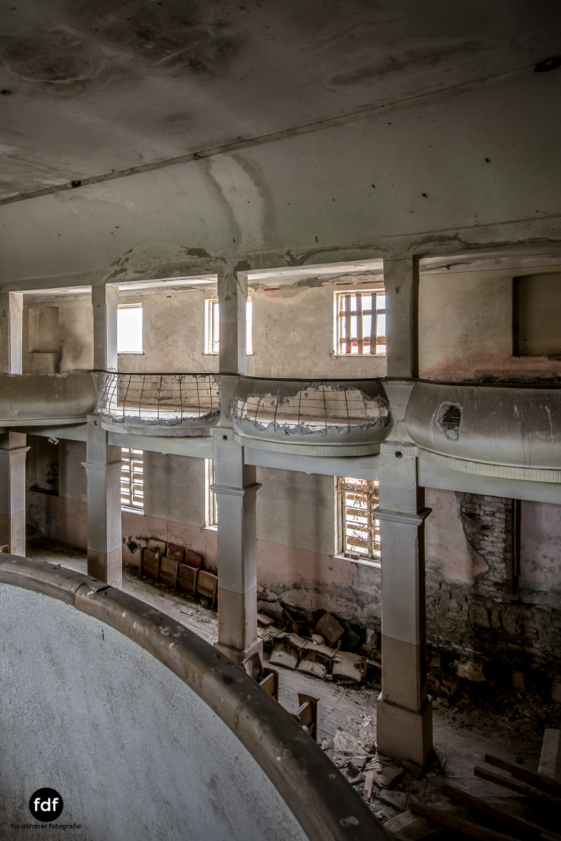 Das weisse Piano Theater Lost Place-78.JPG