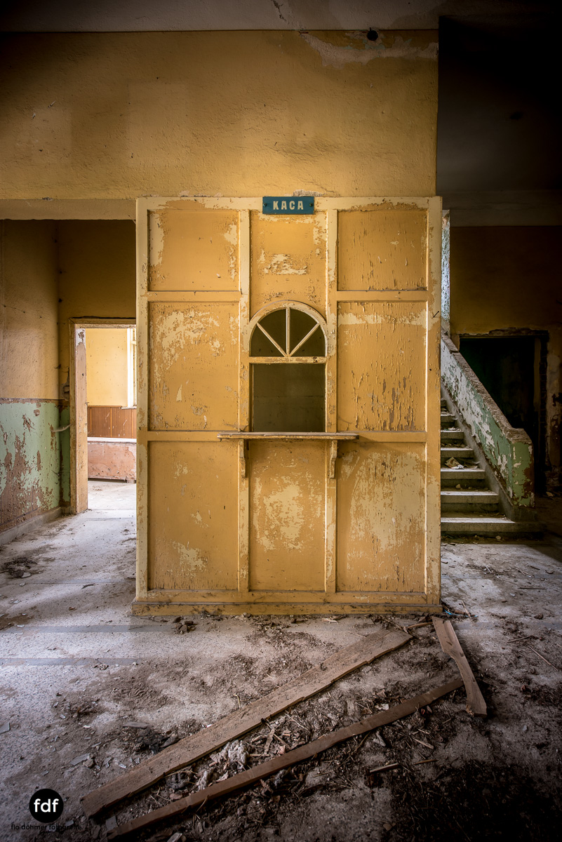 Das weisse Piano Theater Lost Place-98.JPG