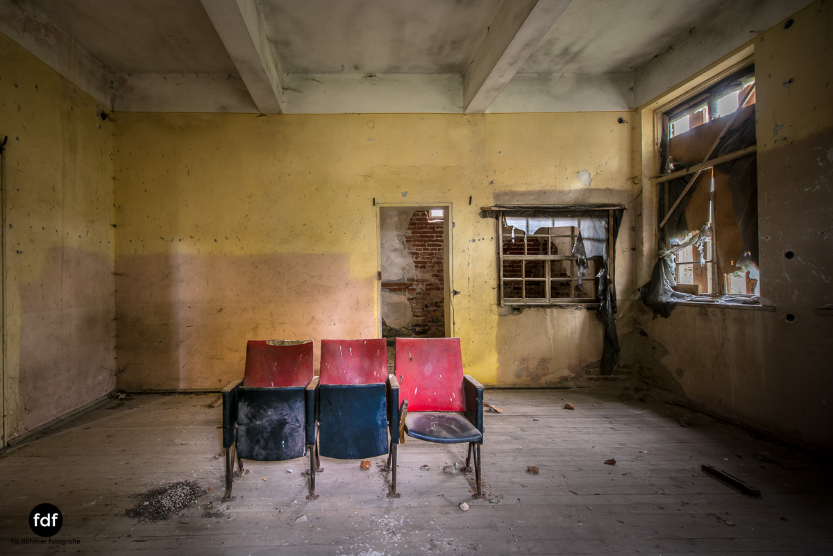 Das weisse Piano Theater Lost Place-103.JPG