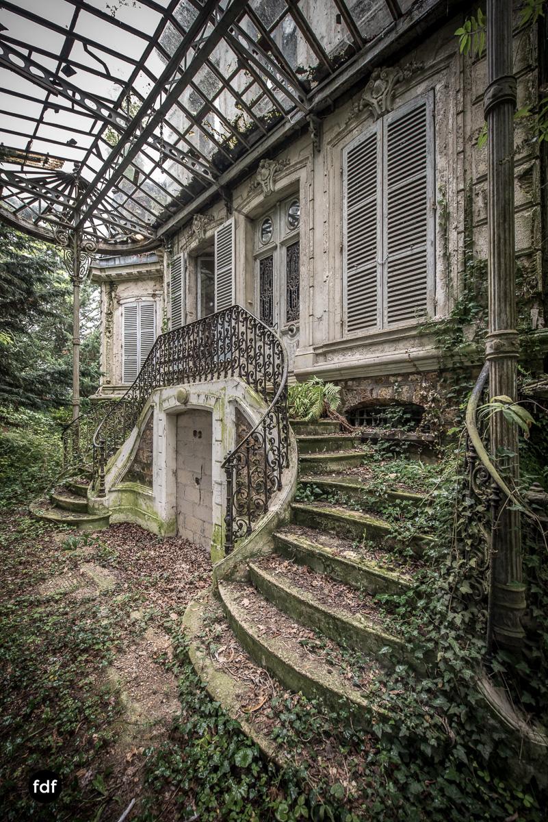 Chareau Verdure Lost Place Frankreich-81.JPG