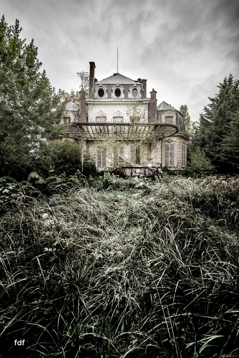 Chareau Verdure Lost Place Frankreich-93.JPG