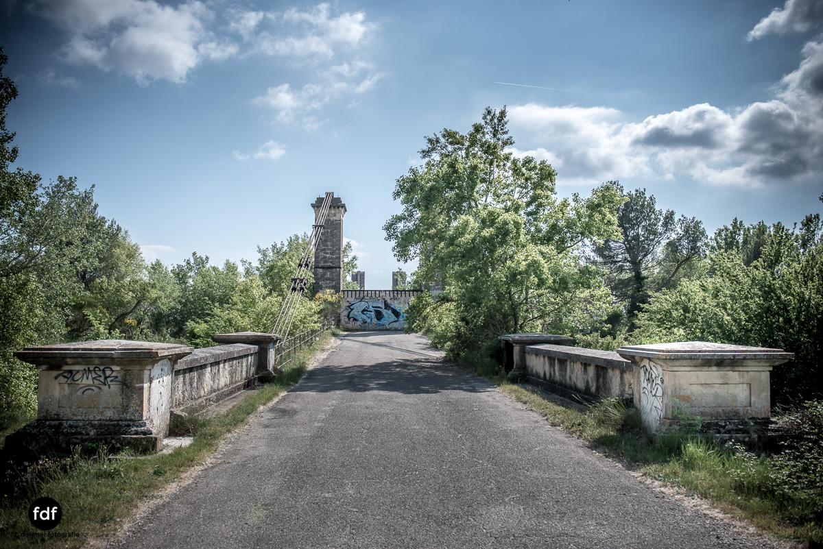 Woodbridge Brücke Provence Verfall Lost Place-16.JPG