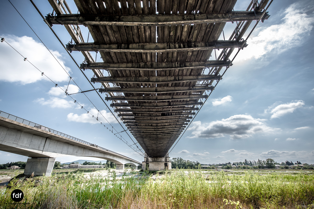 Woodbridge Brücke Provence Verfall Lost Place-18.JPG