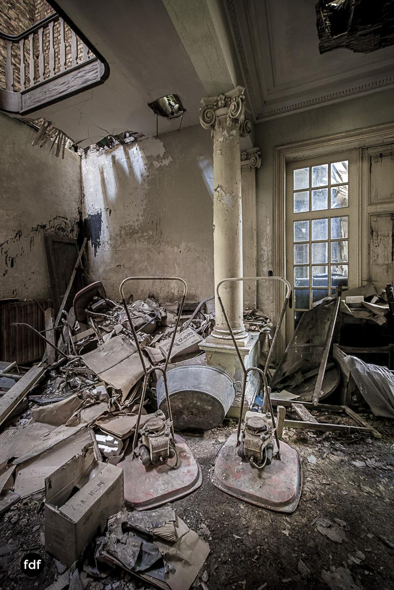 Villa BMW-Herrenhaus-Urbex-Lost-Place-Belgien-58.JPG