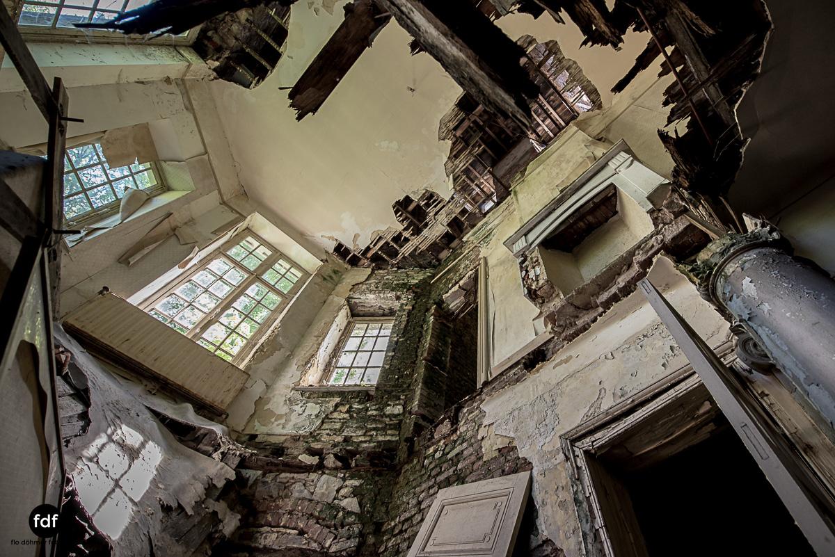 Villa BMW-Herrenhaus-Urbex-Lost-Place-Belgien-80.JPG