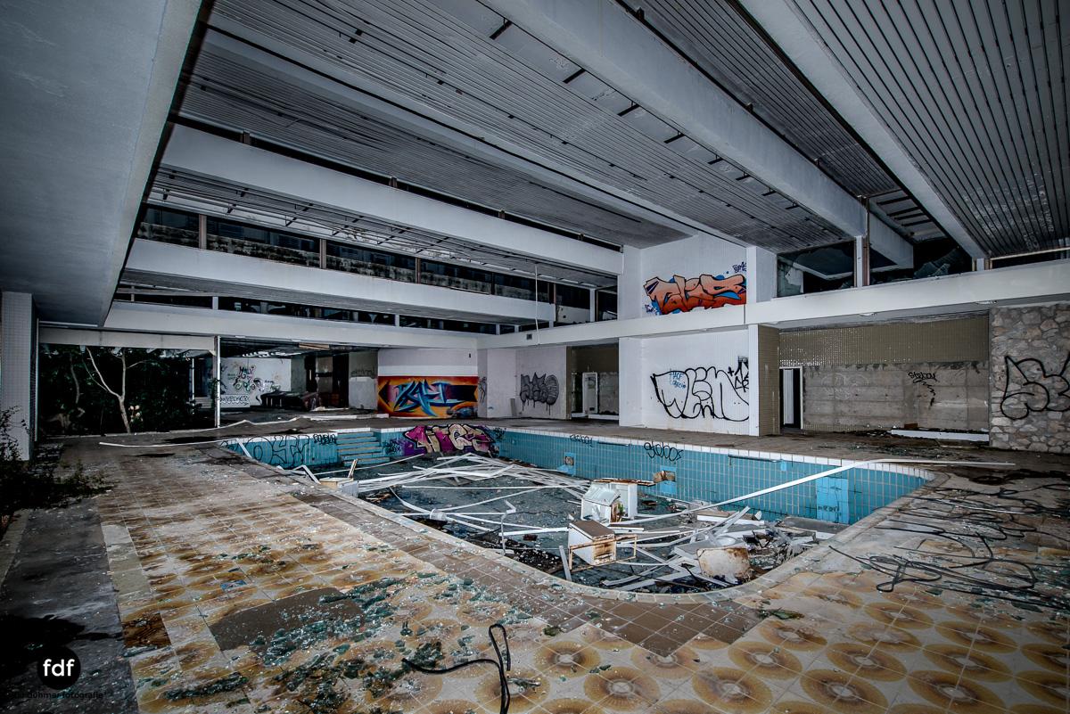 Moonshine-Hotel-Lost-Place-Nacht-Kroatien-18.JPG