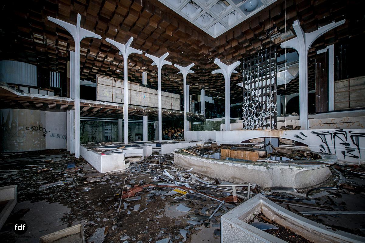 Moonshine-Hotel-Lost-Place-Nacht-Kroatien-46.JPG
