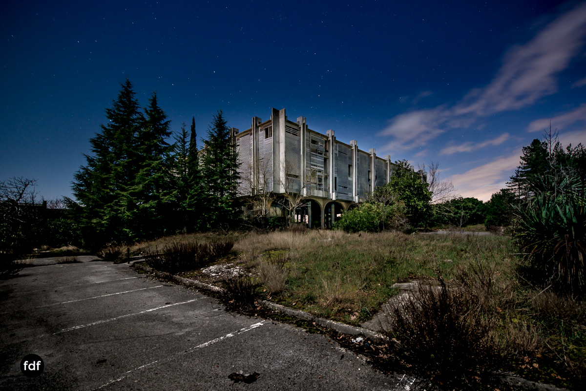Moonshine-Hotel-Lost-Place-Nacht-Kroatien-56.JPG
