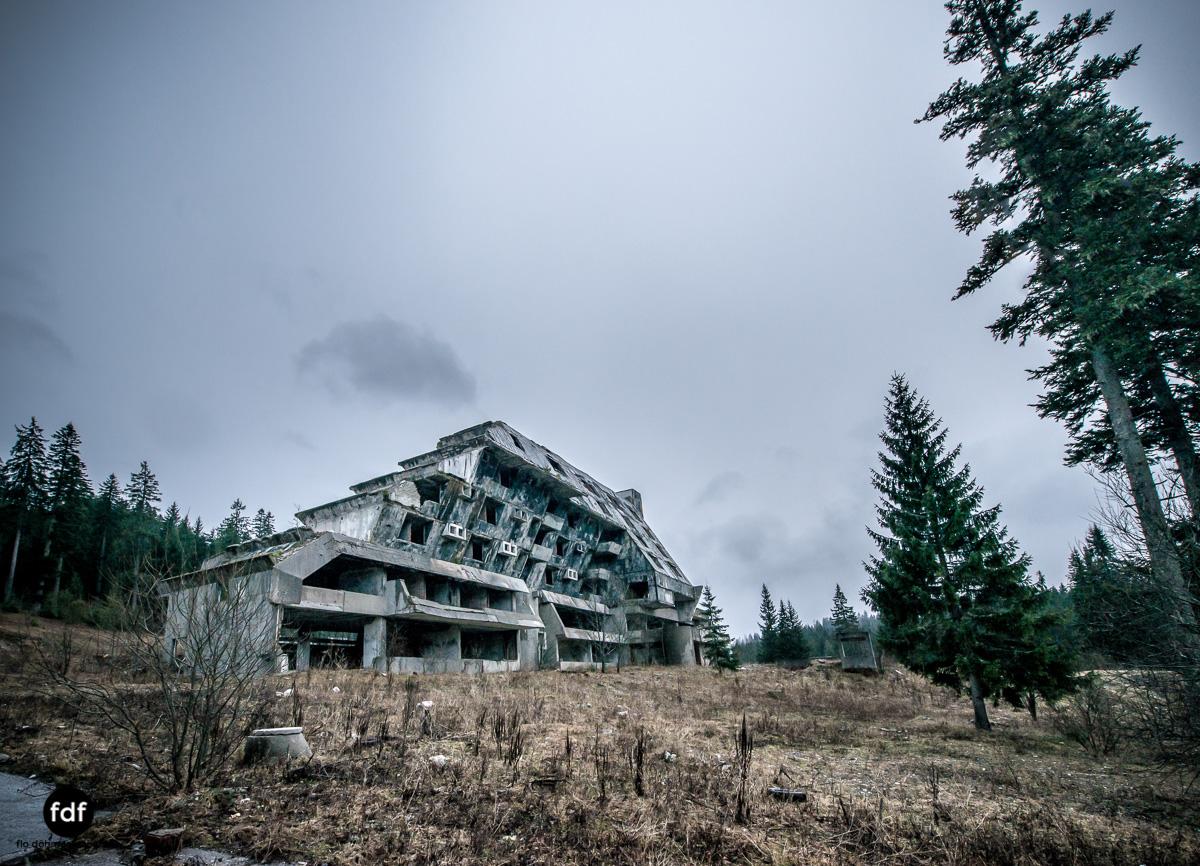 Hotel-Igman-Skijump-Skisprung-Sarajevo-Olympia84-Bosnien-Herzigowina-Lost-Place-1.JPG