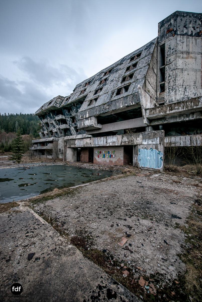 Hotel-Igman-Skijump-Skisprung-Sarajevo-Olympia84-Bosnien-Herzigowina-Lost-Place-4.JPG