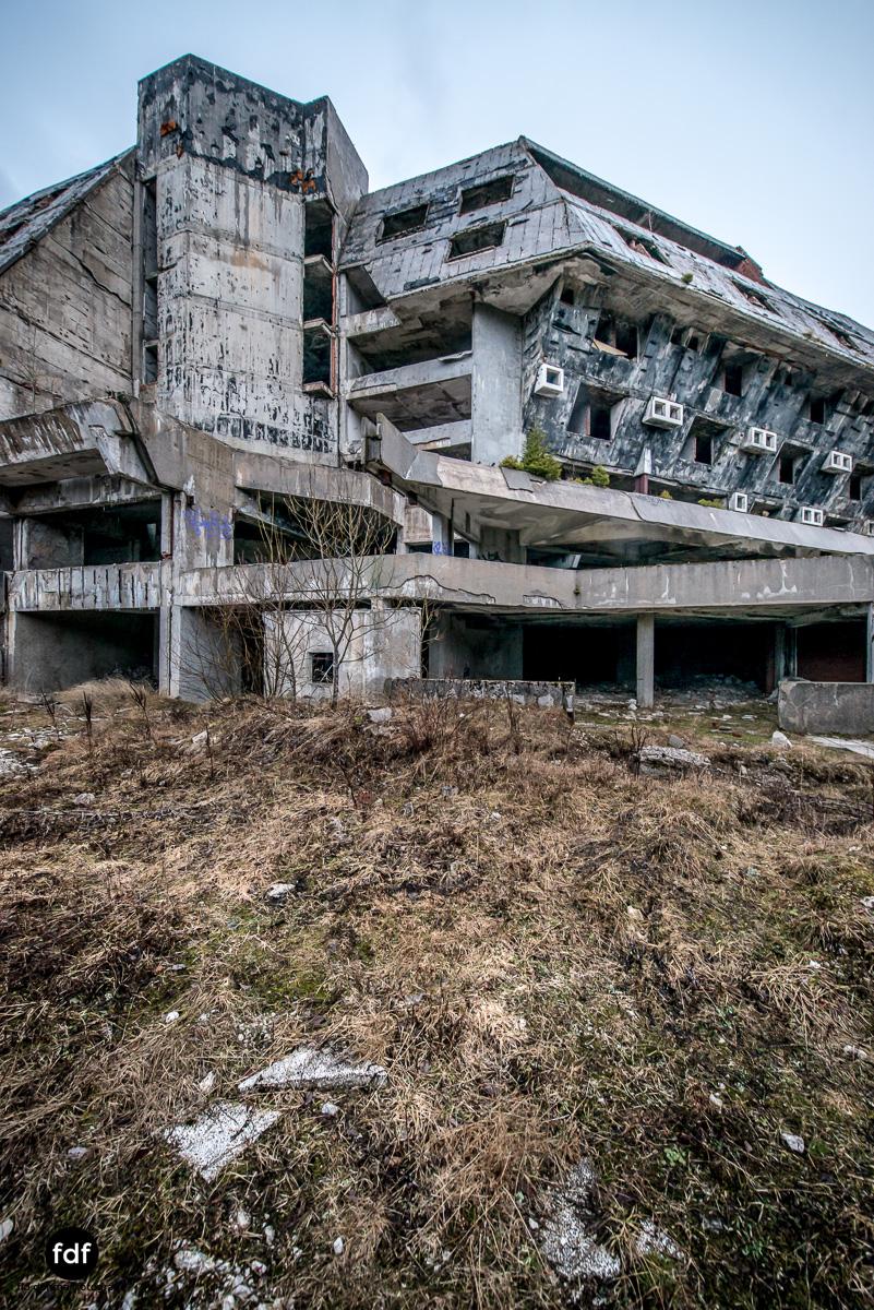 Hotel-Igman-Skijump-Skisprung-Sarajevo-Olympia84-Bosnien-Herzigowina-Lost-Place-6.JPG