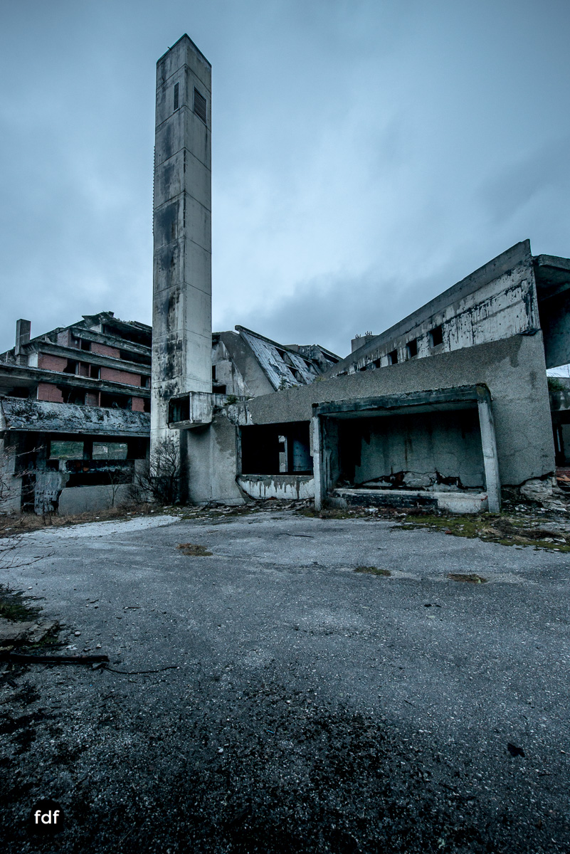 Hotel-Igman-Skijump-Skisprung-Sarajevo-Olympia84-Bosnien-Herzigowina-Lost-Place-19.JPG