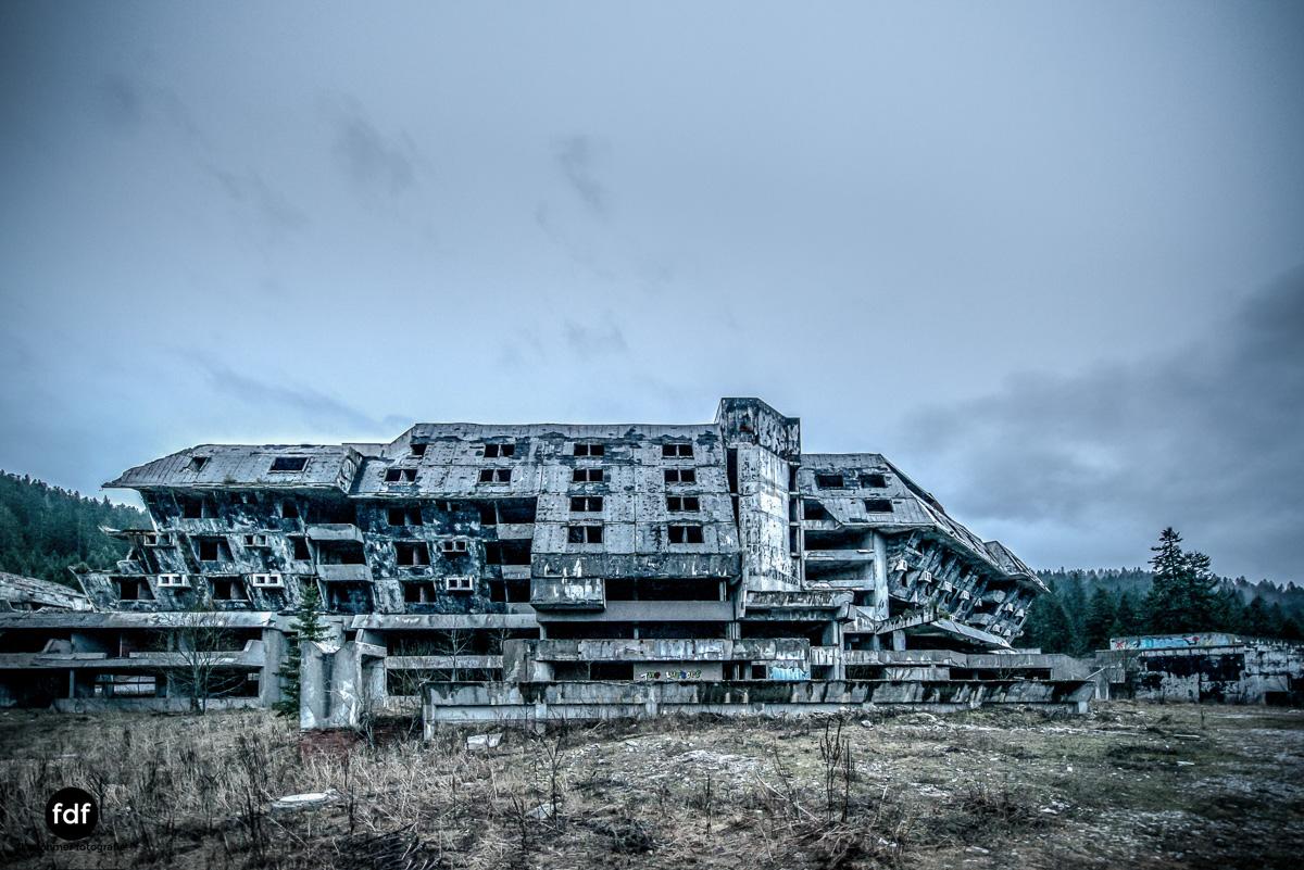 Hotel-Igman-Skijump-Skisprung-Sarajevo-Olympia84-Bosnien-Herzigowina-Lost-Place-22.JPG