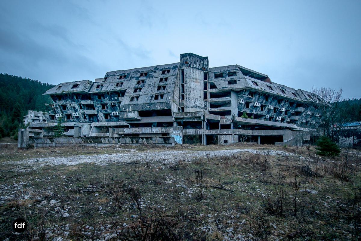 Hotel-Igman-Skijump-Skisprung-Sarajevo-Olympia84-Bosnien-Herzigowina-Lost-Place-21.JPG