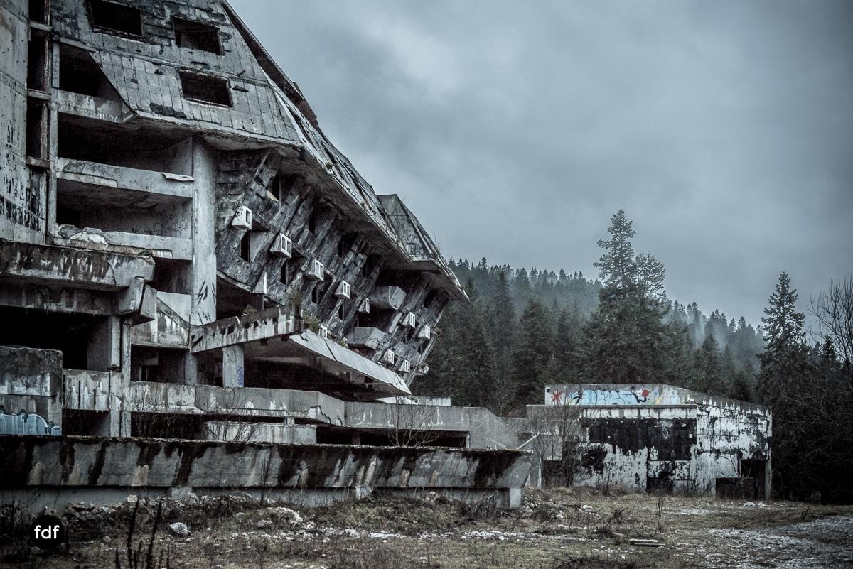 Hotel-Igman-Skijump-Skisprung-Sarajevo-Olympia84-Bosnien-Herzigowina-Lost-Place-24.JPG