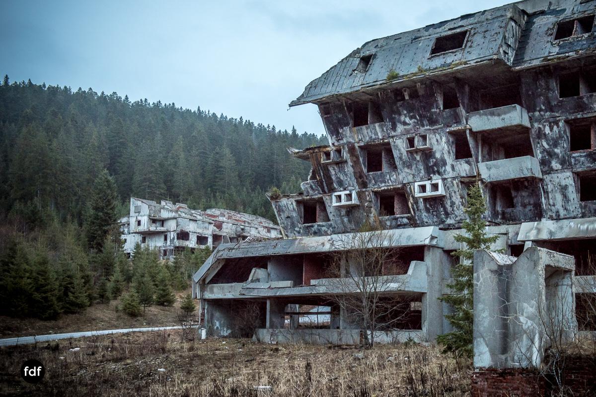 Hotel-Igman-Skijump-Skisprung-Sarajevo-Olympia84-Bosnien-Herzigowina-Lost-Place-25.JPG
