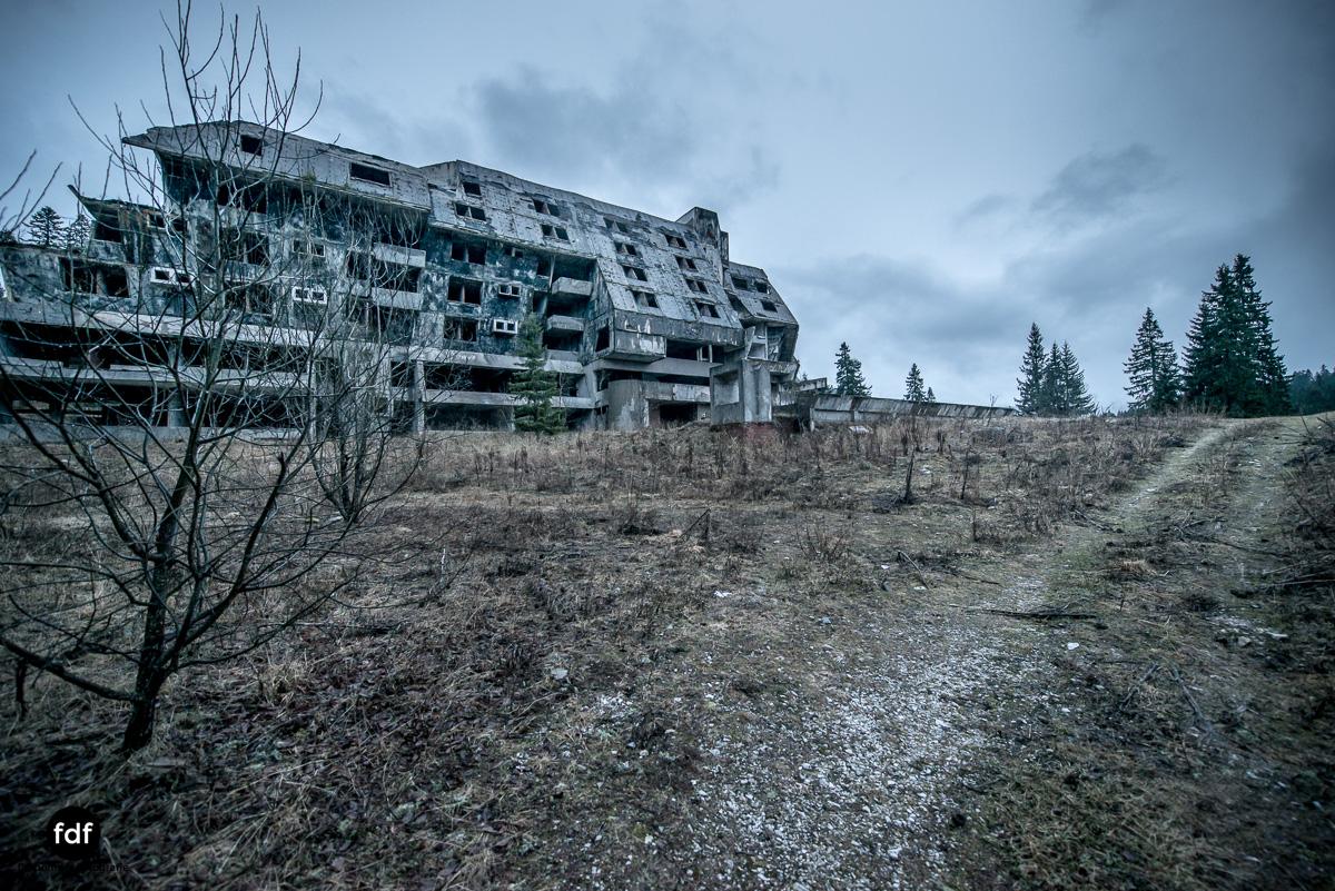 Hotel-Igman-Skijump-Skisprung-Sarajevo-Olympia84-Bosnien-Herzigowina-Lost-Place-26.JPG