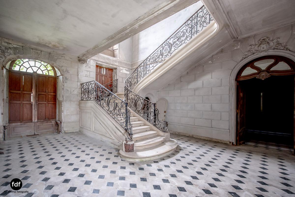 Chateau des Singes-Herrensitz-Lost Place-Frankreich-5.JPG