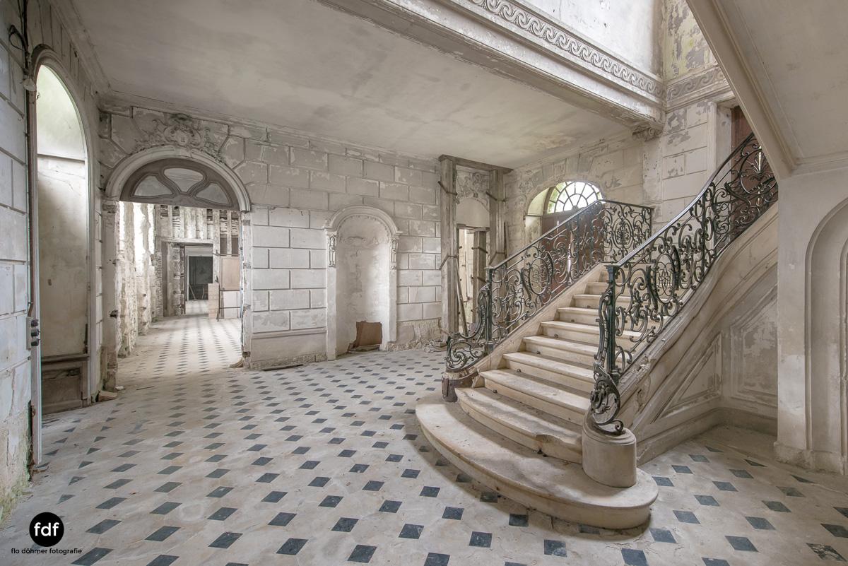 Chateau des Singes-Herrensitz-Lost Place-Frankreich-6.JPG