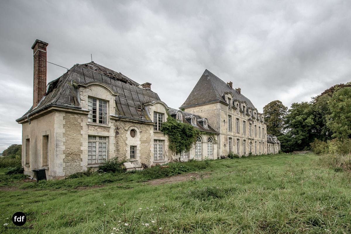 Chateau des Singes-Herrensitz-Lost Place-Frankreich-9.JPG
