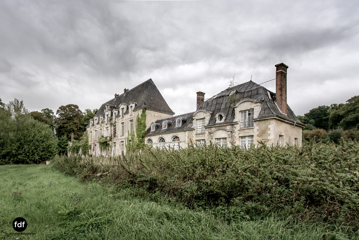 Chateau des Singes-Herrensitz-Lost Place-Frankreich-12.JPG