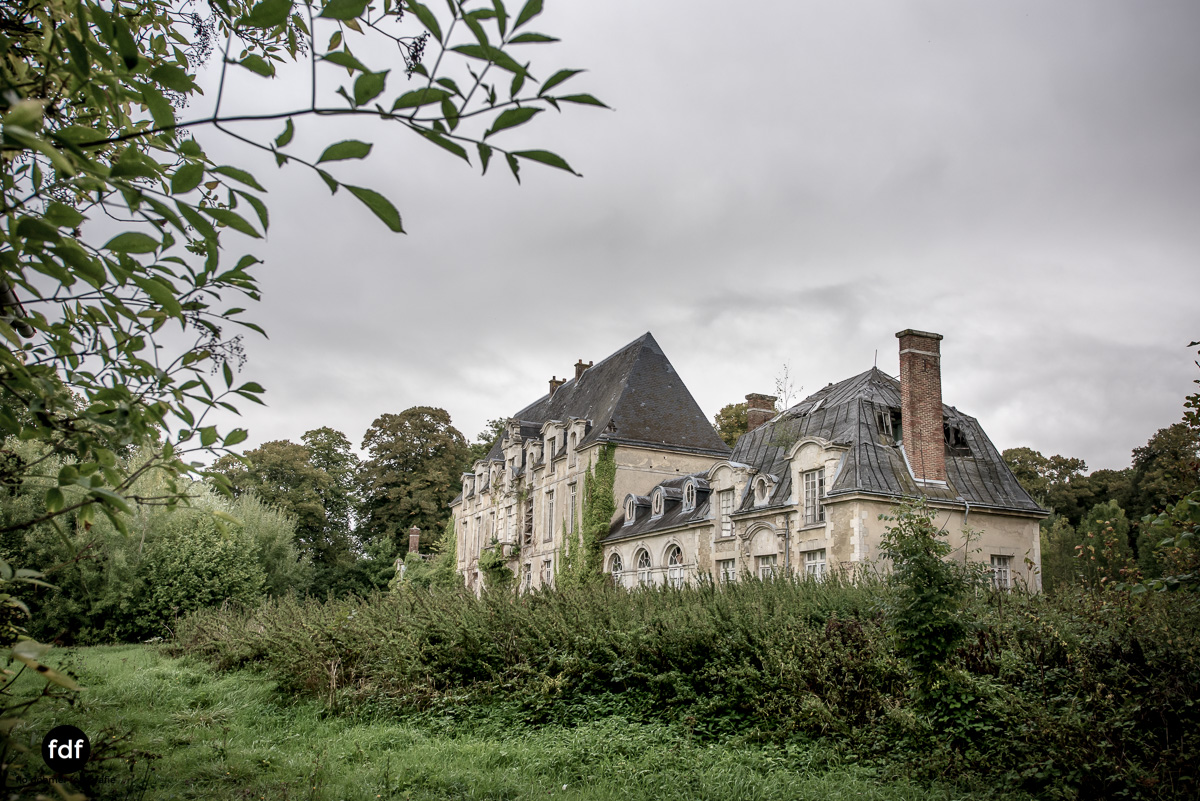 Chateau des Singes-Herrensitz-Lost Place-Frankreich-15.JPG