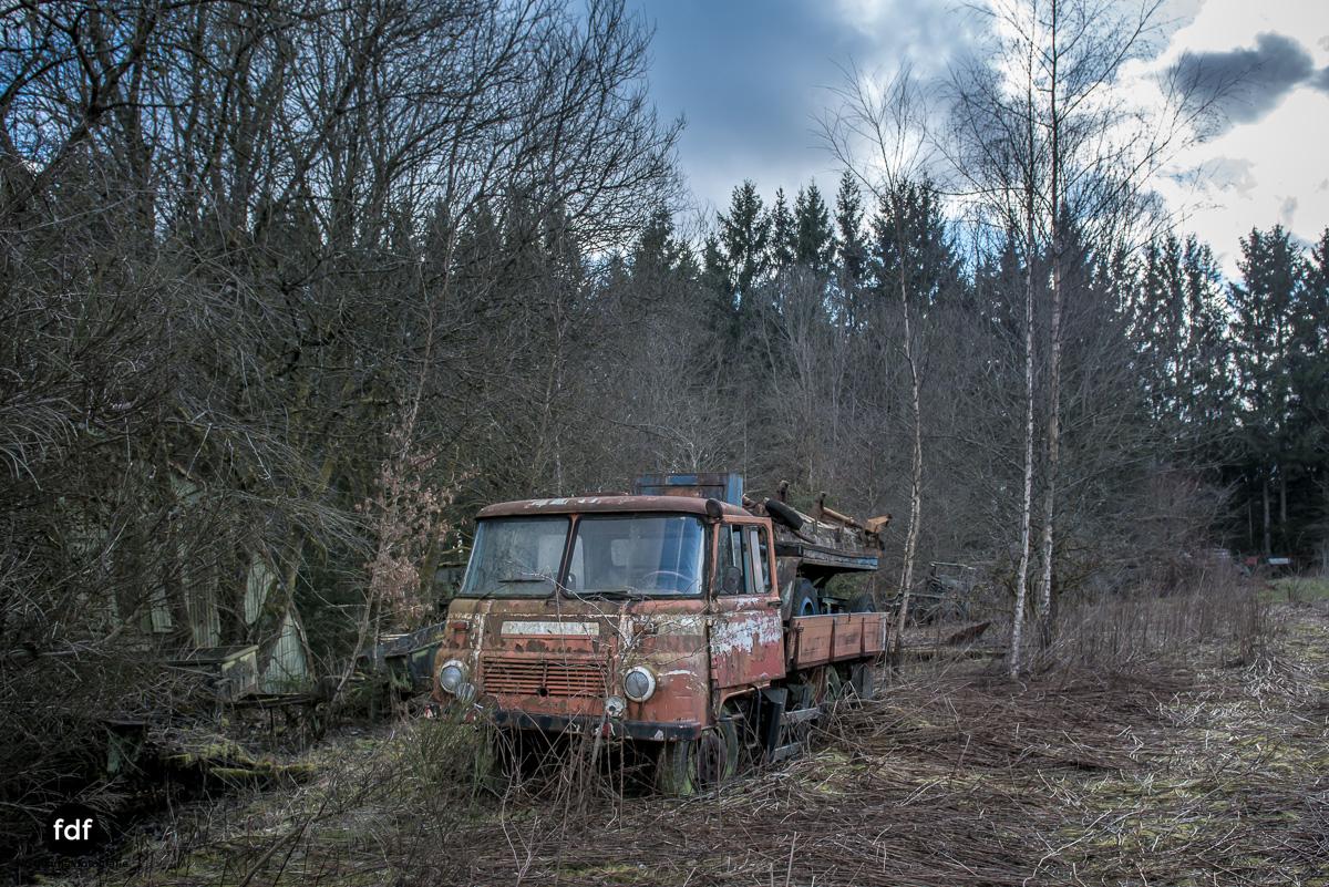 Traction Sud-Schrott-Militär-Lost Place-151.JPG