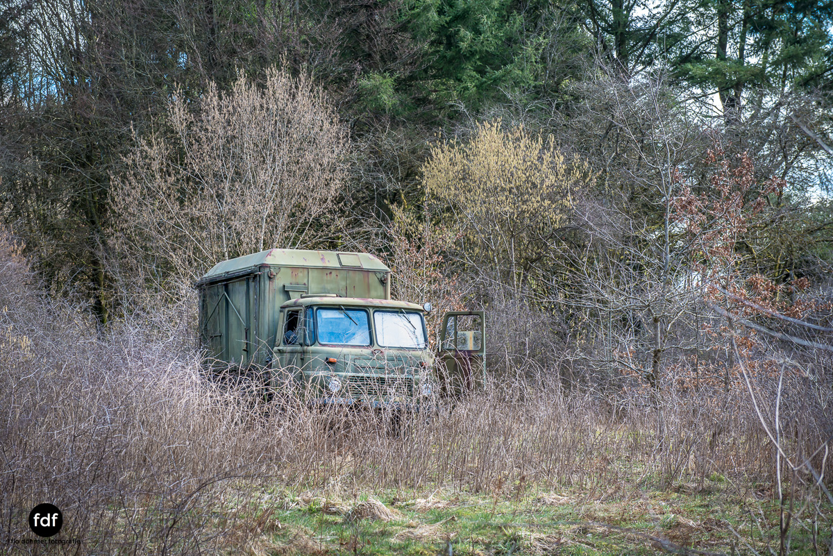 Traction Sud-Schrott-Militär-Lost Place-3.JPG