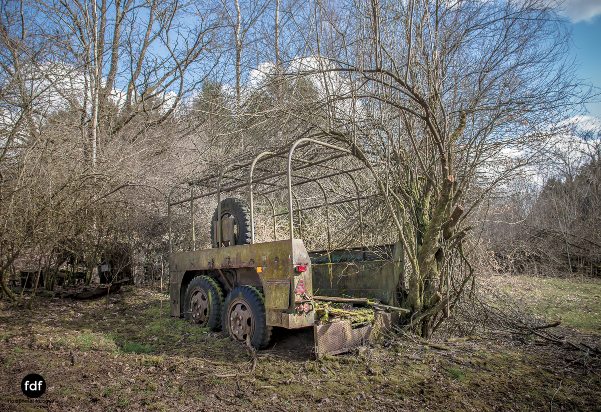 Traction Sud-Schrott-Militär-Lost Place-18.JPG
