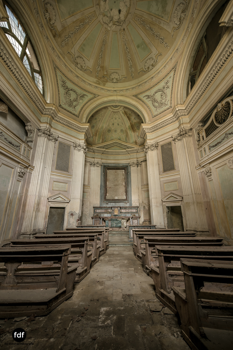 Villa dei Danzatori-Villa RosaPalazzo L-Herrenhaus-Lost Place-Italien-74.JPG