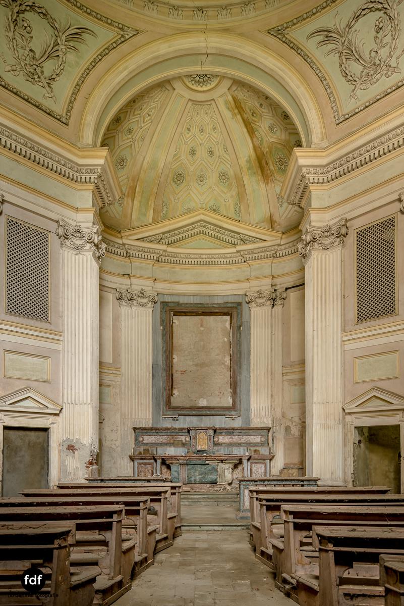 Villa dei Danzatori-Villa RosaPalazzo L-Herrenhaus-Lost Place-Italien-73.JPG