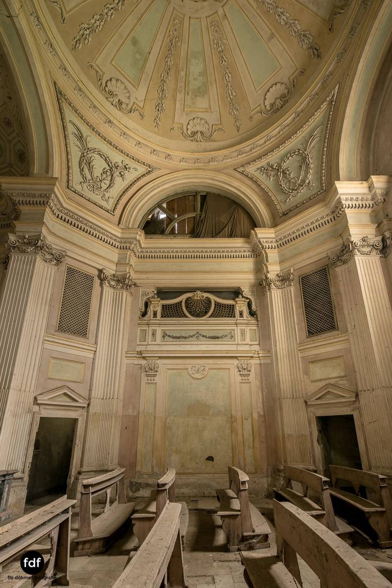 Villa dei Danzatori-Villa RosaPalazzo L-Herrenhaus-Lost Place-Italien-83.JPG