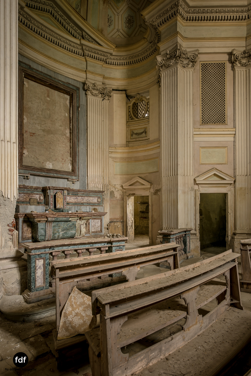 Villa dei Danzatori-Villa RosaPalazzo L-Herrenhaus-Lost Place-Italien-84.JPG