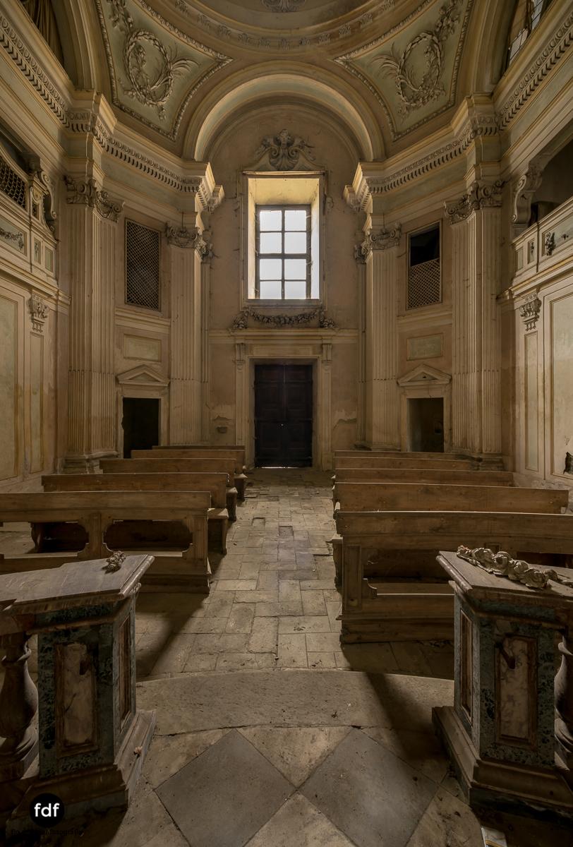 Villa dei Danzatori-Villa RosaPalazzo L-Herrenhaus-Lost Place-Italien-87.JPG