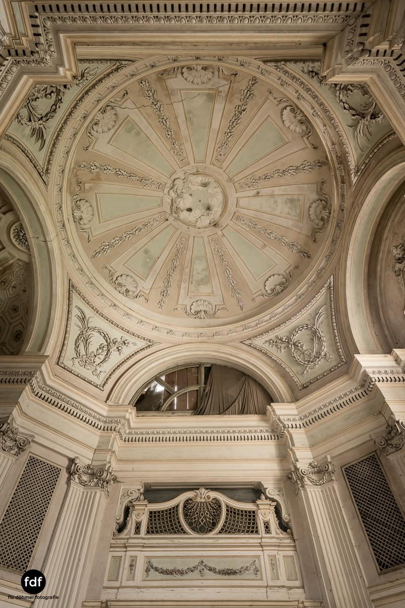Villa dei Danzatori-Villa RosaPalazzo L-Herrenhaus-Lost Place-Italien-85.JPG