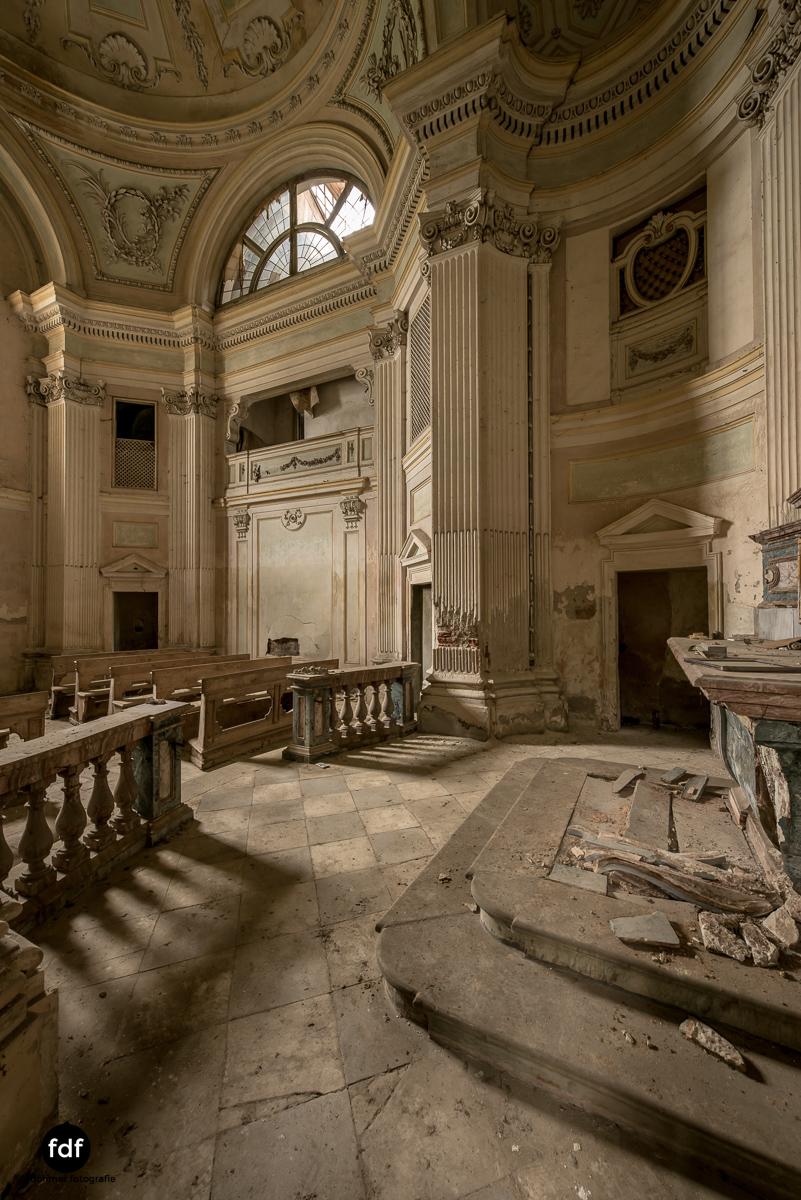 Villa dei Danzatori-Villa RosaPalazzo L-Herrenhaus-Lost Place-Italien-93.JPG