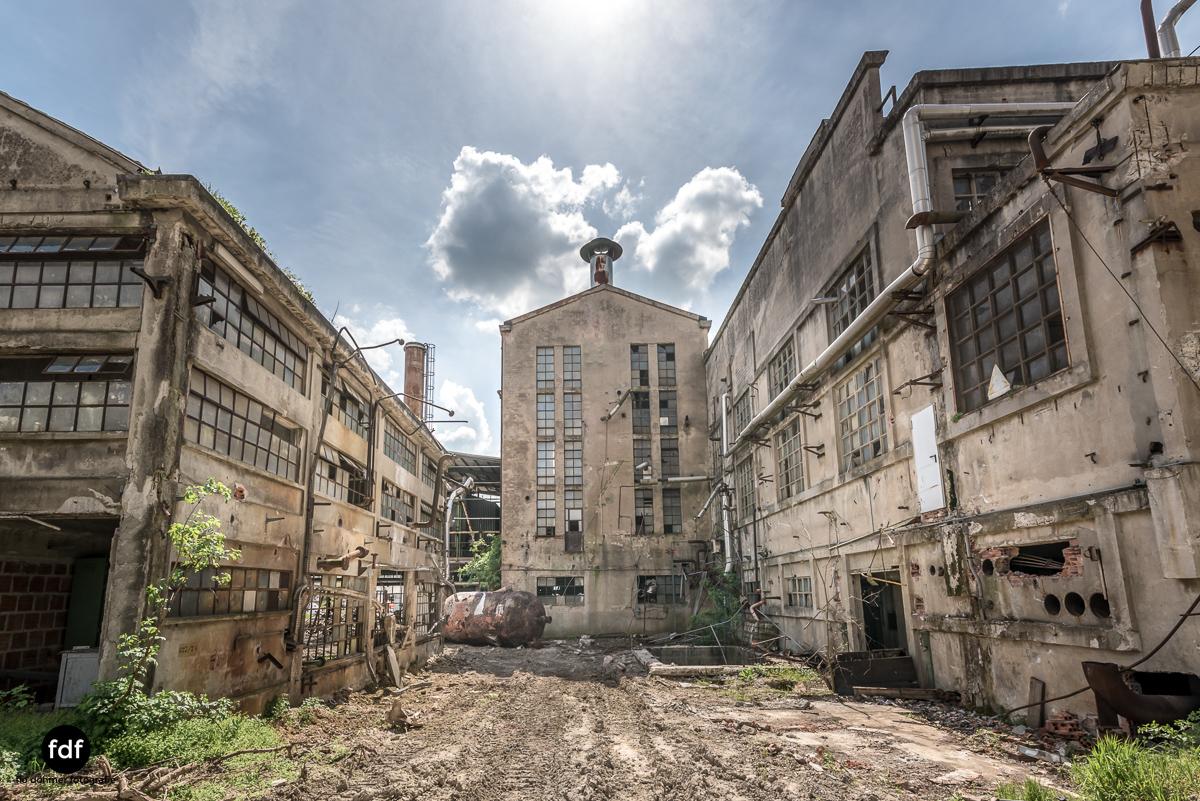 Oculus Tower-Raffinerie-Industrie-Lost Place-Italien-12.JPG