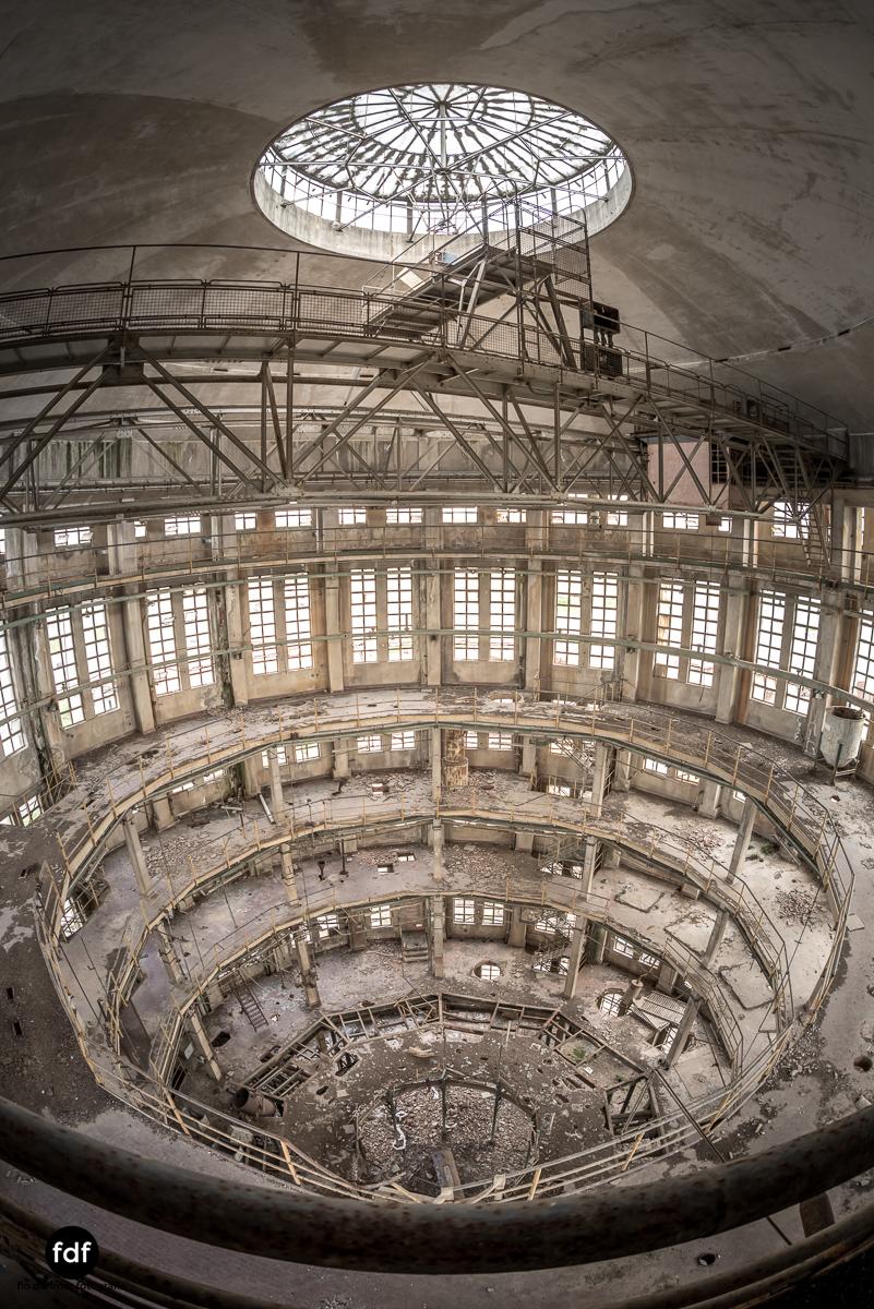 Oculus Tower-Raffinerie-Industrie-Lost Place-Italien-28.JPG