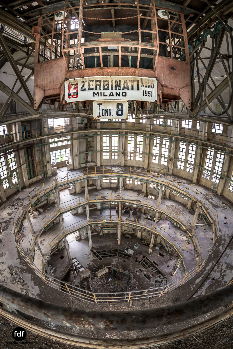 Oculus Tower-Raffinerie-Industrie-Lost Place-Italien-38.JPG