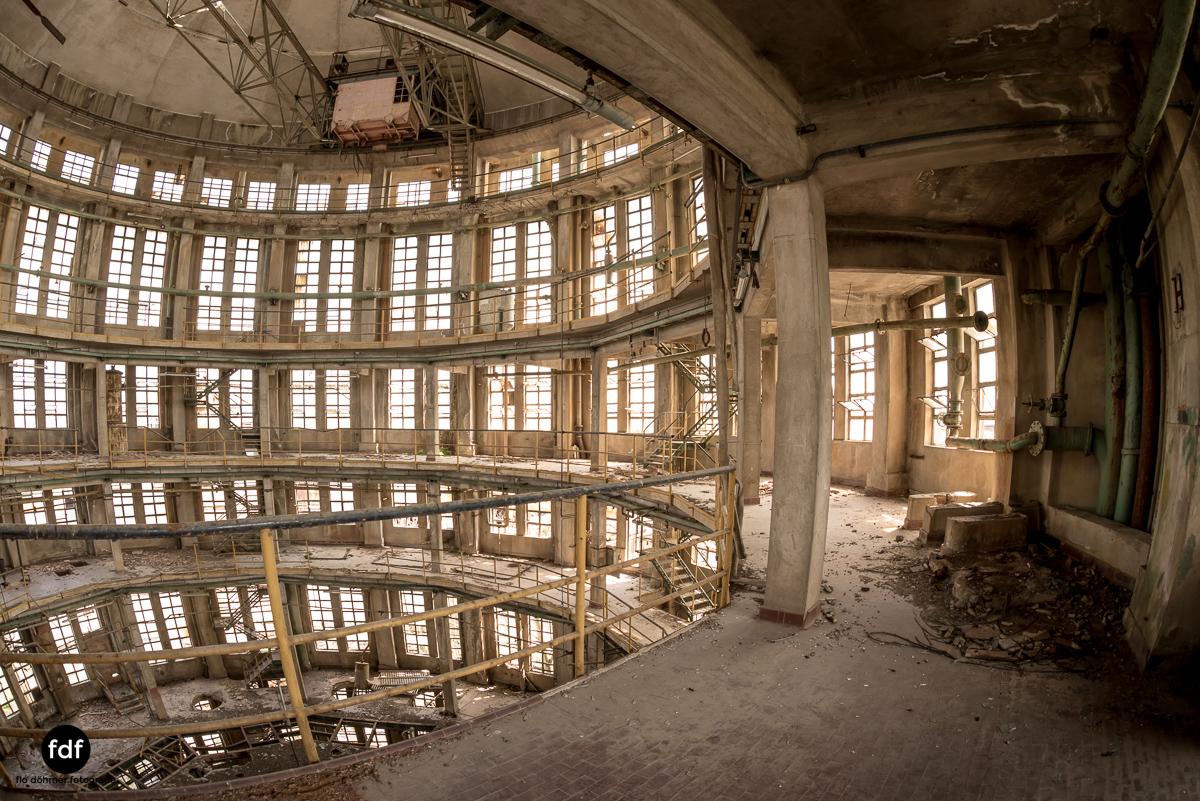 Oculus Tower-Raffinerie-Industrie-Lost Place-Italien-57.JPG